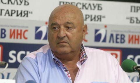 Венци Стефанов: В трудна икономическа обстановка продаваме играчи в чужбина