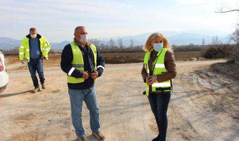 Министърът на регионалното развитие инспектира ремонта на пътя Мездра – Ботевград