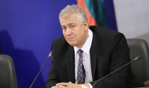 """Бившият шеф на """"Пирогов"""" с недопустима обида срещу министър Кацаров"""