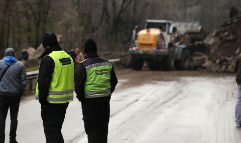 Глобяват строителя и надзора на пътя между Ребърково и Ботевград. Санкции ще има и за АПИ