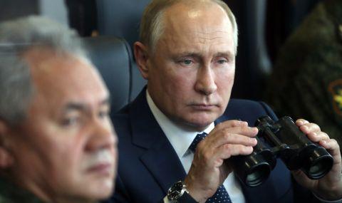 Путин наблюдава военни учения (ВИДЕО)